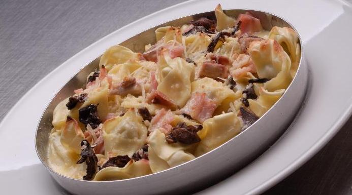 Pasta con salsa caruso is a dish from Uruguay inspired by Italian cuisine
