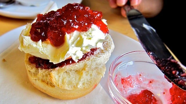 English scone cream jam