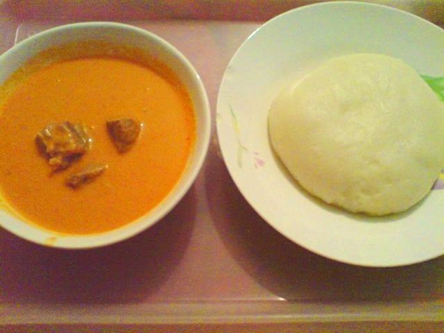 Fufu servi avec soupe