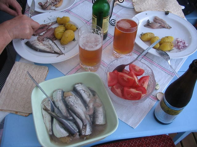Eating Surströmming meal
