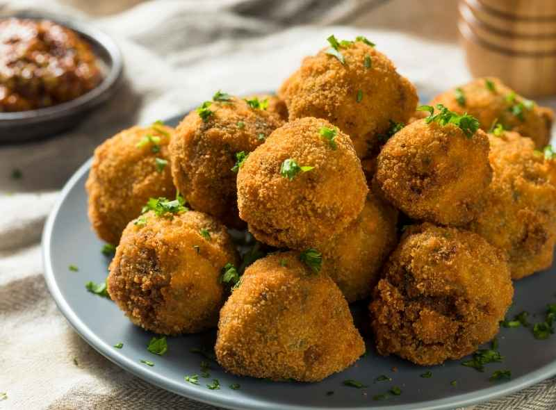 Dutch Cuisine: 10 Traditional Dishes from the Netherlands You Must Try